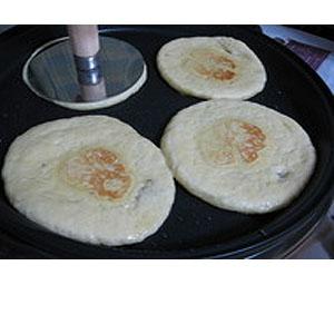 ヌルゲ(ホットック押し器)★昔ながらの韓国おやつホットック作りに便利で楽しい調理器具