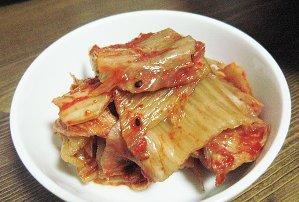コシのある麺に濃いスープで辛い味が楽しめる! [オトギ] ヨル(熱)ラーメン(120g) ★さらにキムチ!